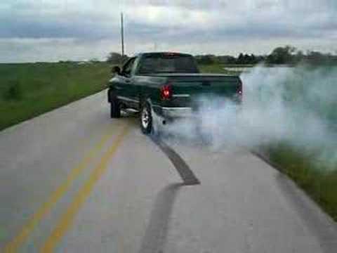 Dodge Ram 1500 Ecodiesel >> dodge ram burnout/hemi - YouTube