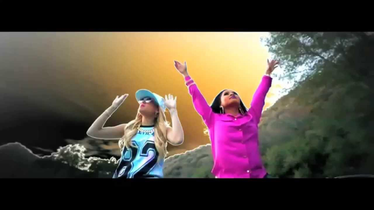 Download Chanel West Coast - Blueberry Chills (ft. Honey Cocaine) [Official Music Video]