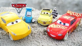 DISNEY CARS 3 FUNNY FIREBALL BEACH RACE IRL TREASURE HUNT TOY BEACH ATE CRUZ! THOMASVILLE SPEEDWAY
