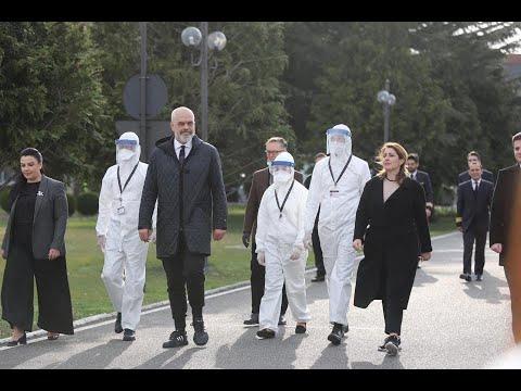 Medici e infermieri albanesi in partenza per l'Italia