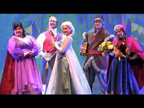 Full Frozen Fun Sing Along Disneyland Stage Show With Anna