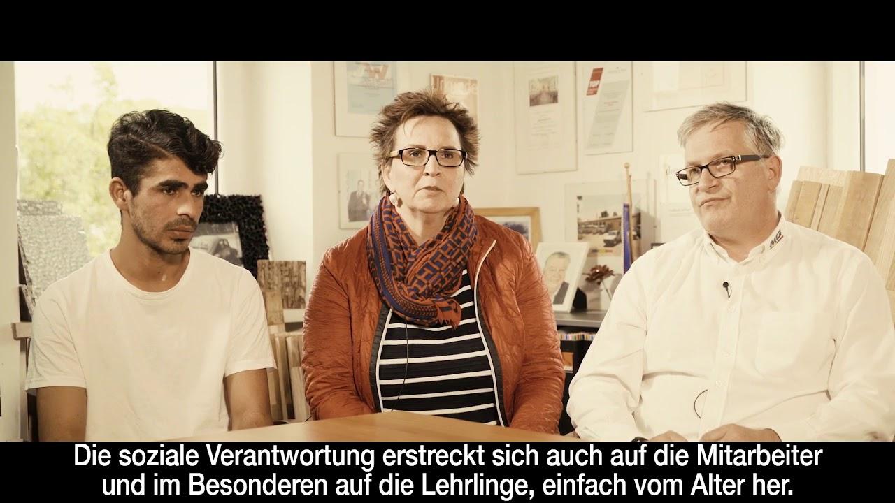 Wir brauchen unsere Lehrlinge! Clip #3 (3) von Hilde Dalik, Michael Ostrowski, Mutterschifffilmyoutube.com