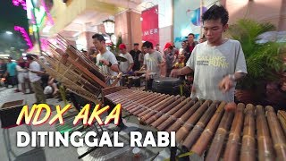 Download lagu DITINGGAL RABI Calung Funk Nonton Angklung Pakai Kamera Profesional MP3