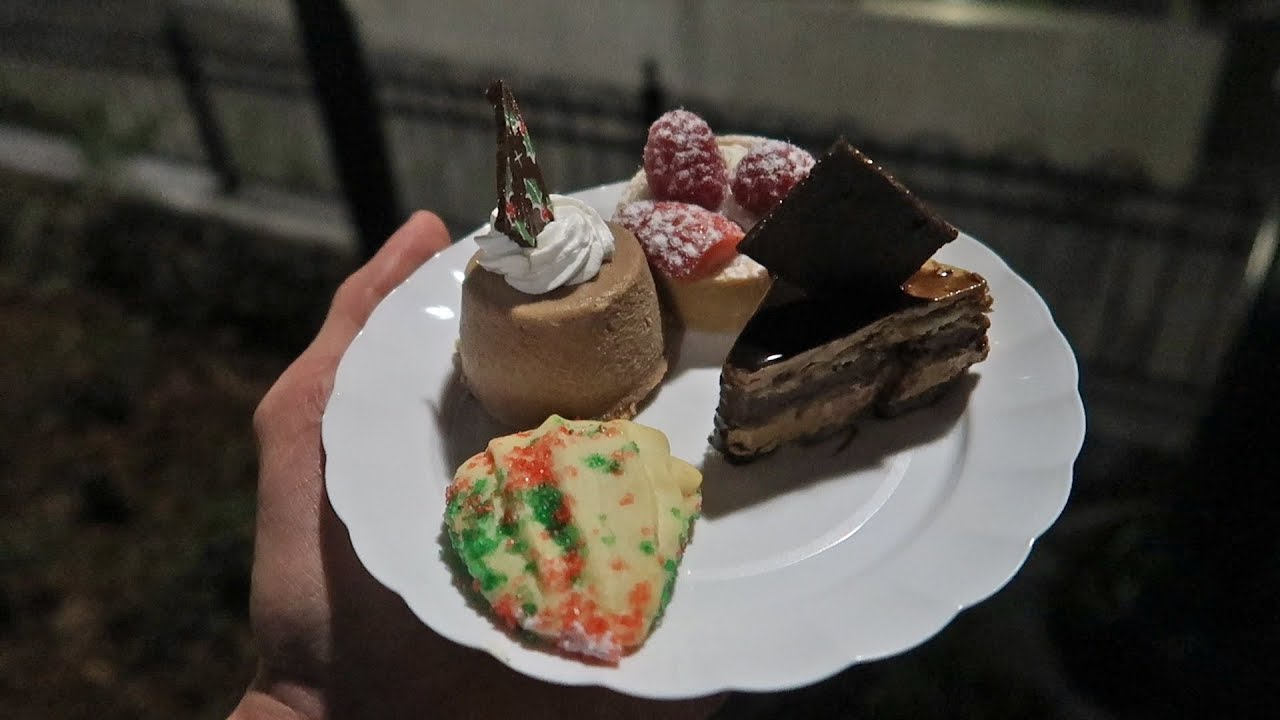 universal-orlando-s-first-ever-dessert-party-holiday-parade-cinematic-celebration-and-desserts