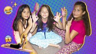 ¡YOGA CHALLENGE! En pijamas (Nos caemos) -SoyJessi