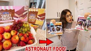 Download lagu ASTRONAUT FOODS VS REAL FOOD CHALLENGE!