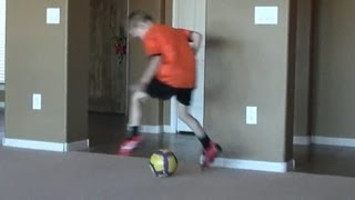 Repeat youtube video 6-7 yr old football/soccer kid with skills of Messi/Ronaldo/Neymar training to be next Iniesta