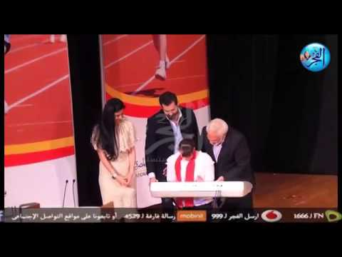 شاهد رد فعل سامح الصريطى  بعد سقوط الطفلة  علي المسرح