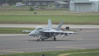 EA-18G VAQ-132 ファーストミッション なかには女性パイロットが操るグ...