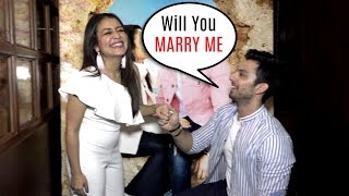 Himansh Kohli PROPOSES Neha Kakkar In Front Of Media