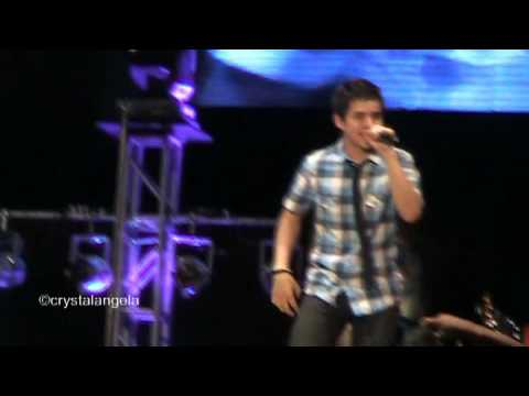 David Archuleta Live In Manila - Touch My Hand (opening number)