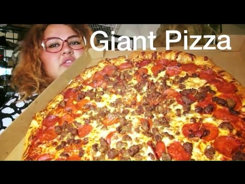GIANT SAUSAGE AND PEPPERONI PIZZA MUKBANG