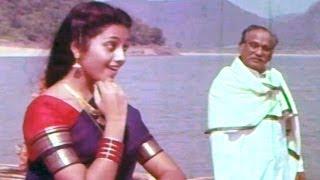 Seetharamaiah Gari Manavaralu Songs - Badharagiri Ramayya - Meena, ANR