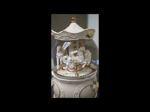 Luxury Ceramic Carousel Large Water Globe Music Box (CS0323)