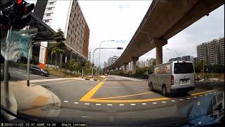 2nov218 GBC5944D toyota hiace beating red light outside sengkang general hospital