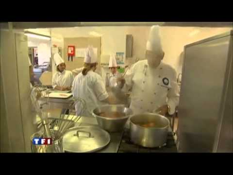 reportage colonie de vacances cuisine je monte mon restaurant de vitacolo youtube. Black Bedroom Furniture Sets. Home Design Ideas