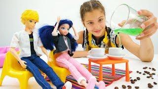 Çocuk dizisi. Polen barista oluyor! Eğlenceli video!