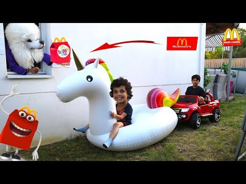 McDonalds Drive Thru Prank! Power Wheels Ride On Car Kids Pretend Play, LES BOYS TV