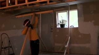 One man Drywall Lift for ceiling installation