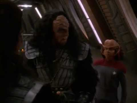 ds9-nog-arrests-martok-(blaze-of-glory)