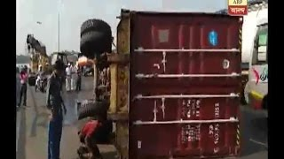 Accident at second Hooghly bridge
