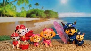 PATRULLA CANINA VA A LA PLAYA! PAW PATROL toys PUPS en español PATRULLA CACHORROS