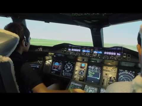 THAI FLIGHT SIMULATOR EXPERIENCE at Thai Airways with A380-800
