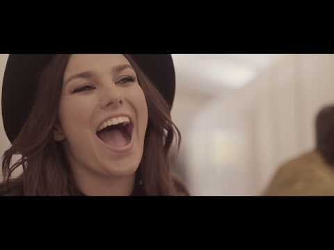 Ewa Farna - Bumerang (CZ) [Official Music Video]