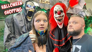 HALLOWEEN SHOPPING FINALLY  (SPIRIT Halloween STORE VLOG  w/ Fun and Crazy Family