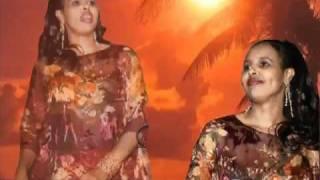 YouTube -  Hees Cajiib Ah  By Farhiya Fiska Doqonti cidlada.flv