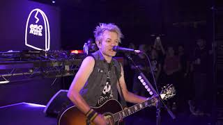 Sum41 - In Too Deep Acoustic Live at Emo Nite