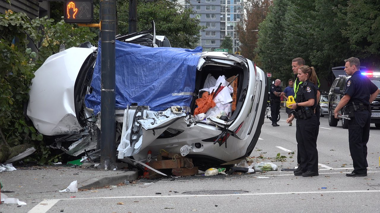 horrific fatal car crash seymour st dave st vancouver canada 4k video