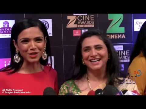 TV Actress Supriya and Her Daughter Shriya Pilgaonkar at The Red Carpet of Zee Cine Awards