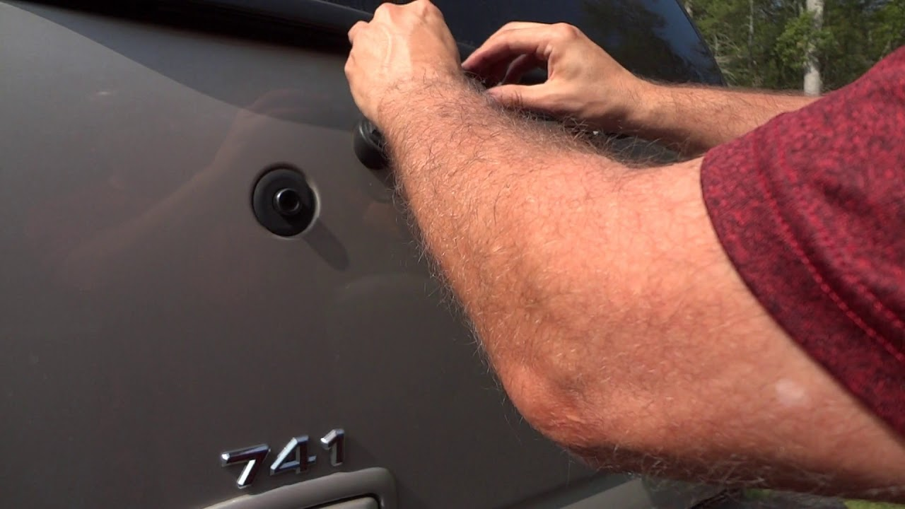 chevy tahoe rear wiper repair - wiper motor re-installation and the real  problem discovered!