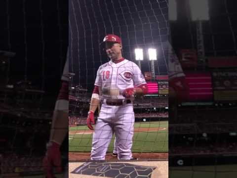 """Joey Votto responds to fan's smack talk, saying """"I remember when you used to be thin"""""""