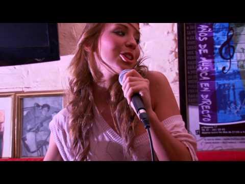 Esther Aranda  Amor en Stereo Videoclip Oficial HQ