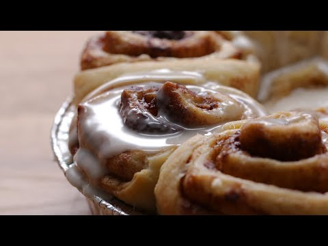 The Best Ever Vegan Cinnamon Rolls #VeganWeek