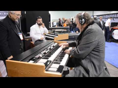Brian Auger plays the new Viscount Legend at Namm 2017
