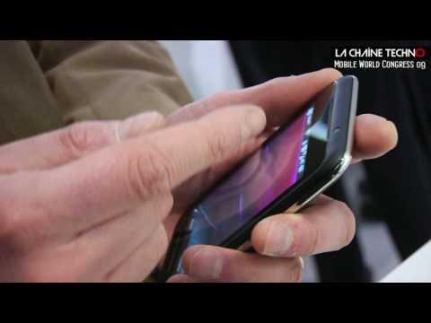 Toshiba TG01 : grand ecran et puissance digitale