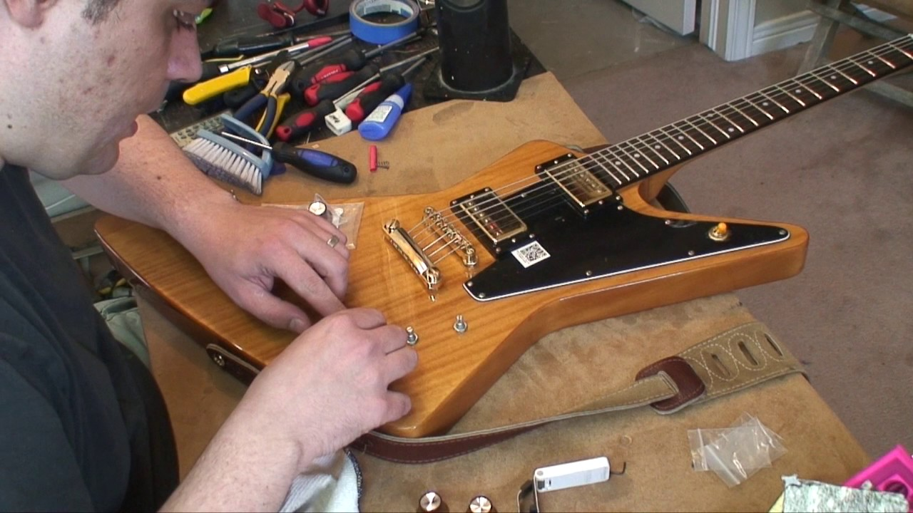 2016 Epiphone Explorer 58ri: Unboxed & Easy Cosmetic Mods