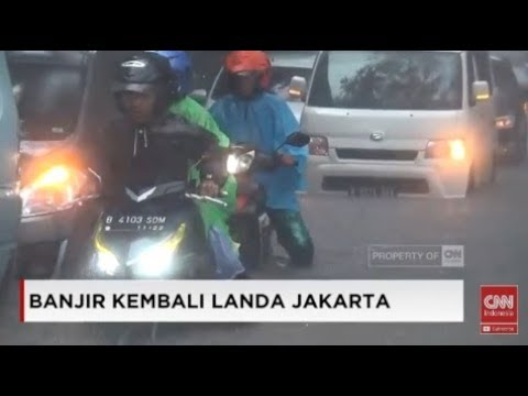 Pengendara Nekat Terabas Banjir di Jl Yos Sudarso; Jakarta Banjir Lagi