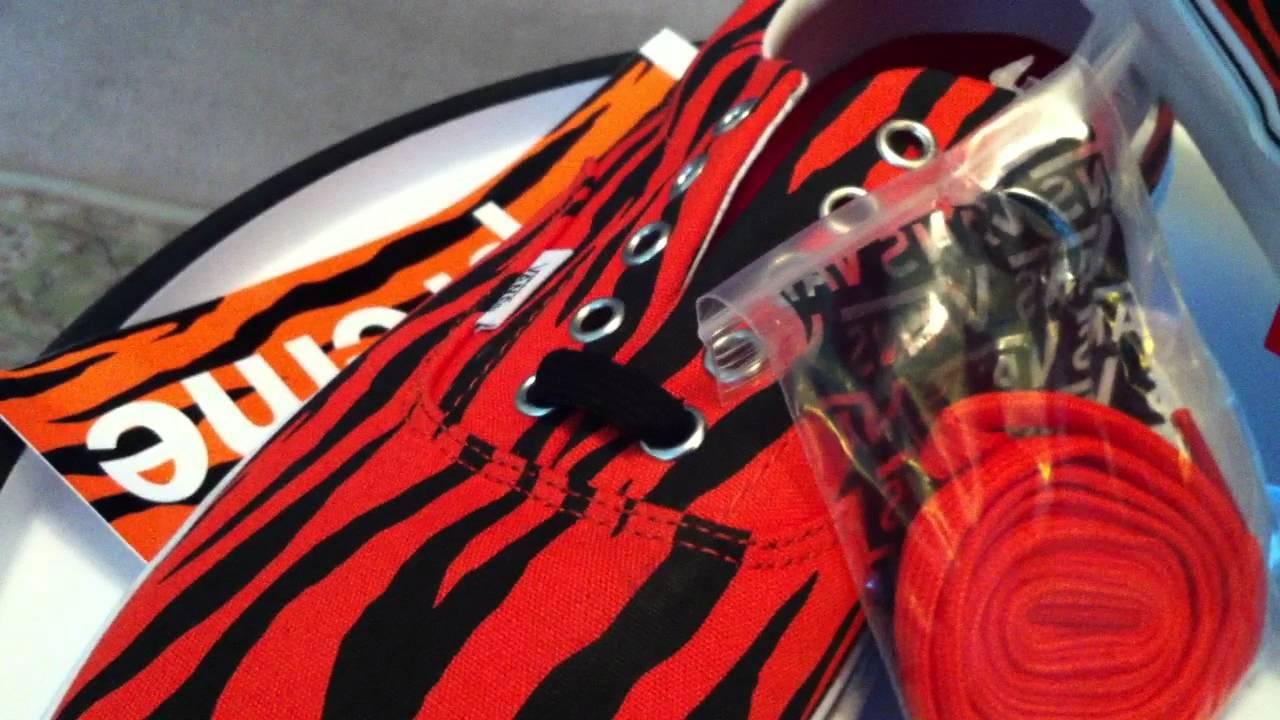 20e859f960c6e3 VANS x Supreme Era 46 - Zebra   Orange colorway ... - YouTube