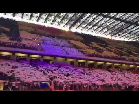 suprise for Beyonce from fans in San Siro, Milan / SORRY