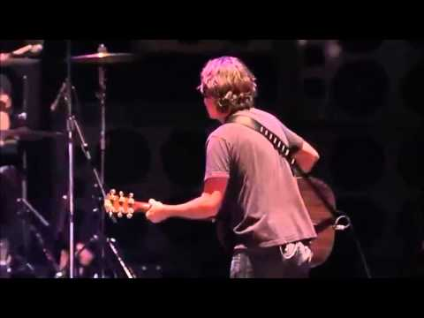 Pearl Jam - Elderly Woman Behind The Counter In A Small Town -  Lollapaloza Chile
