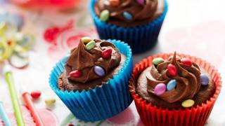 How to make Scrumptious Smartie Chocolate Cup Cakes
