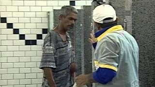 Câmera Escondida: Jogar água no banheiro