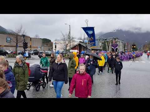 Opptog barneturnstemne i Førde 21.04.2018