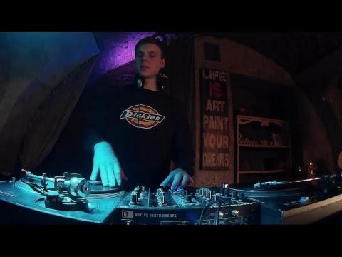 SREDA w/ DJ Bullet #FarschStream #HipHop #beats