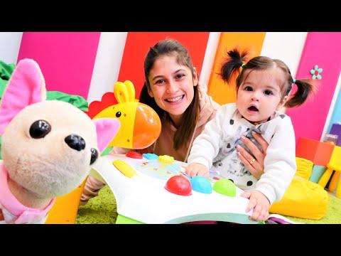 Bebek videosu. Ayşe Defne'ye aktivite masası kuruyor! Eğitici oyuncaklar