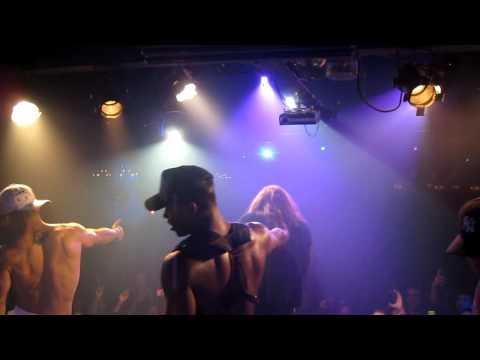 "Pepa performs ""Shoop"" LIVE at Factory"